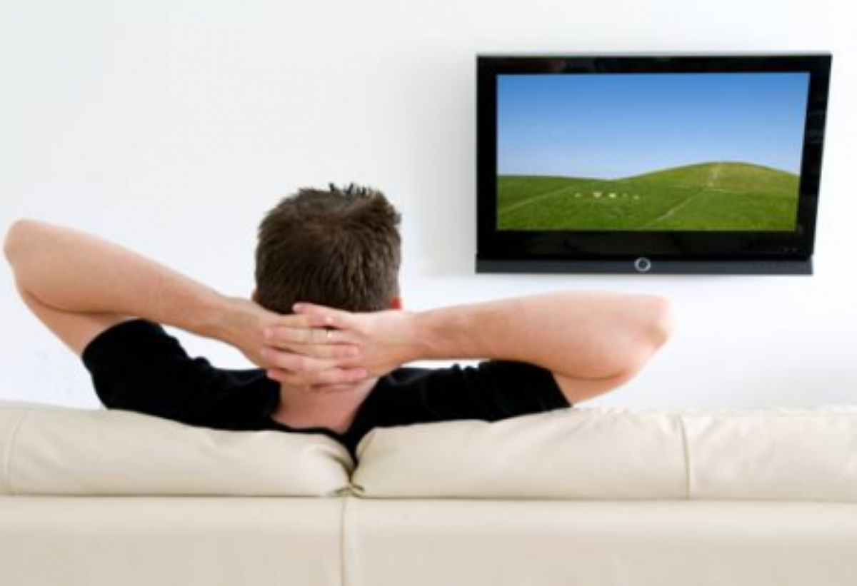 gopego man watching television1 show