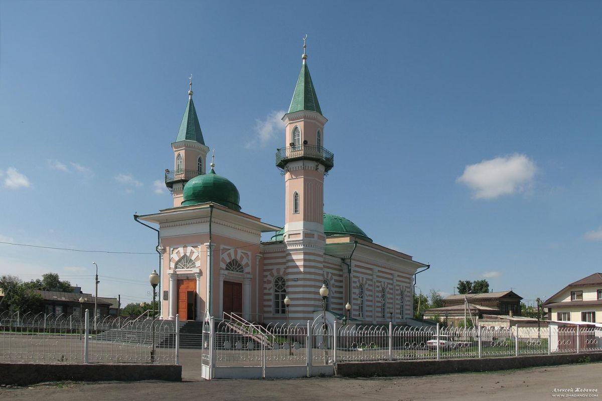 2 minaret mosque in Semey