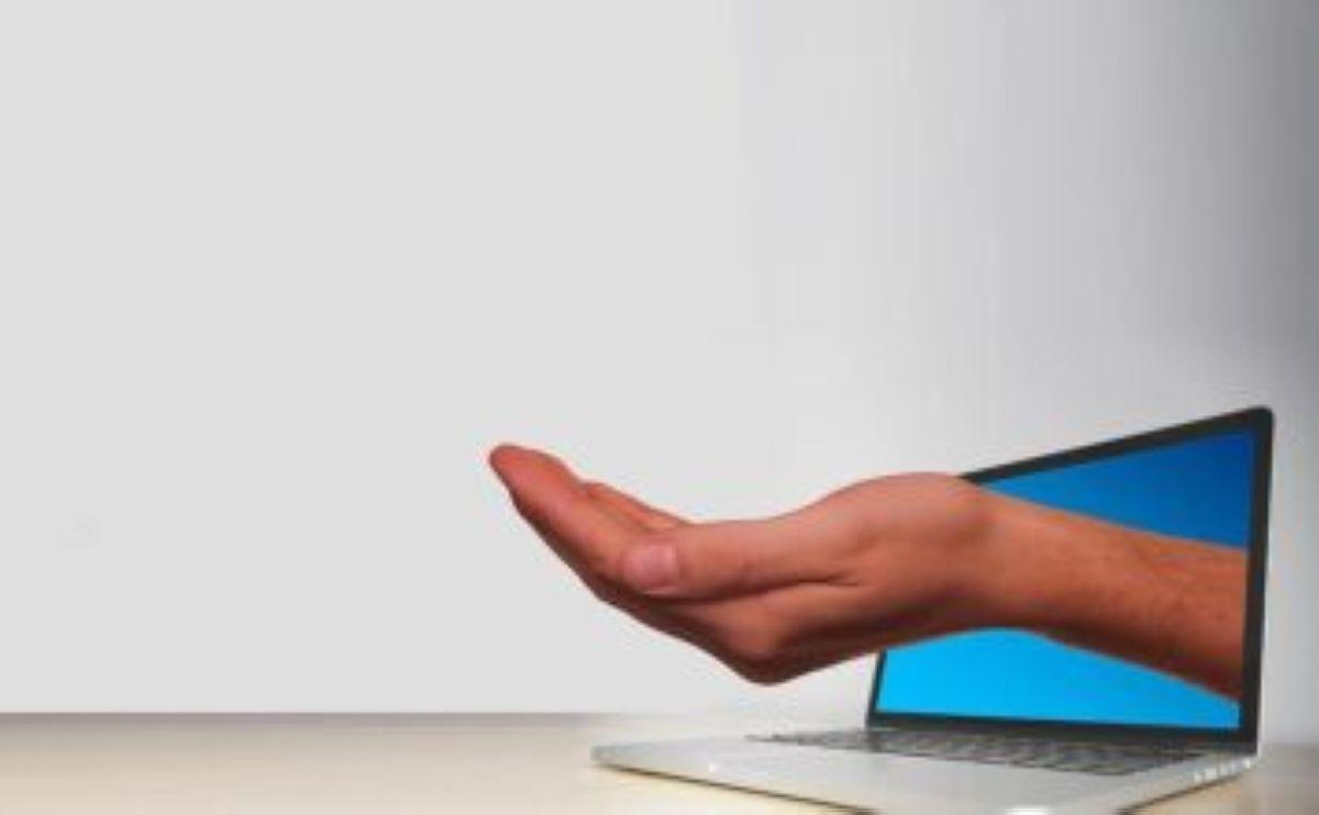 laptop hand keep presentation offer please begging received on internet