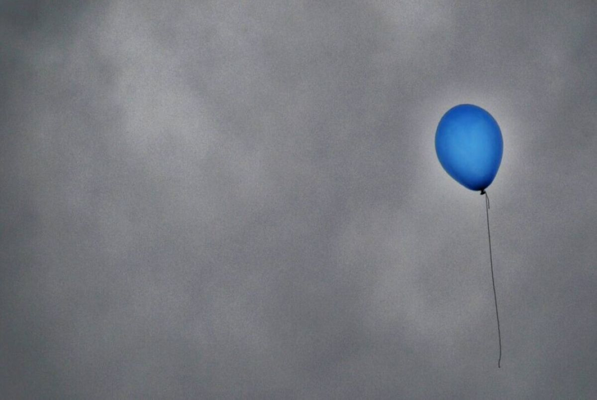 light cloud sky air balloon wind atmosphere flying aircraft vehicle blue colorful toy moon circle balloons atmosphere of earth 1152277