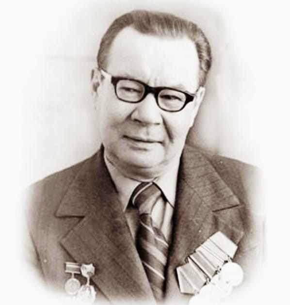 Әнуарбек Байжанбаев