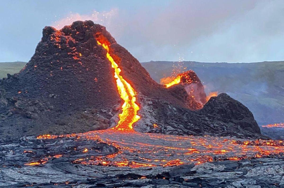 vulkan fagradalsfyadl iceland 2