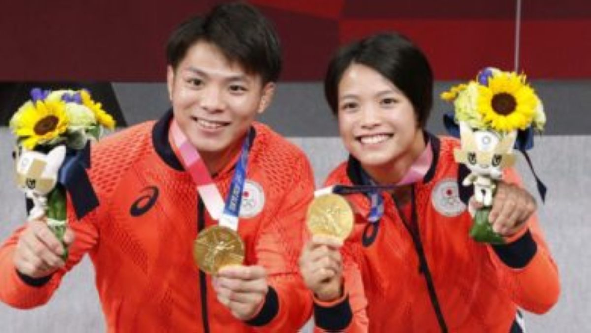 family affair abe siblings gold judo japan tokyo olympics 1 scaled e1627221379227